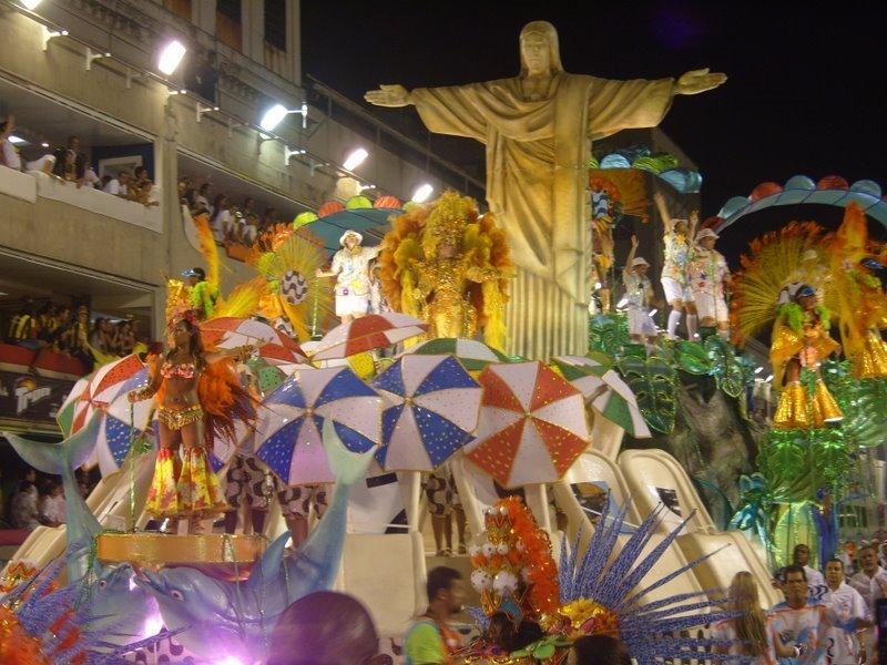 ESCOLA DE SAMBA – SAMBA REHEARSAL